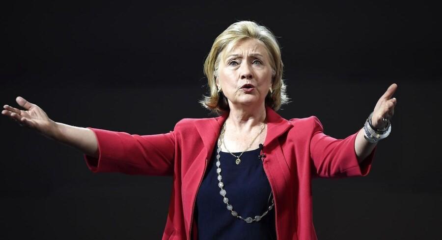 Republikanerne i USA har erklæret sig klar til kamp mod den demokratiske præsidentkandidat, Hillary Clinton, blot få timer efter hun annoncerede sit kandidatur.