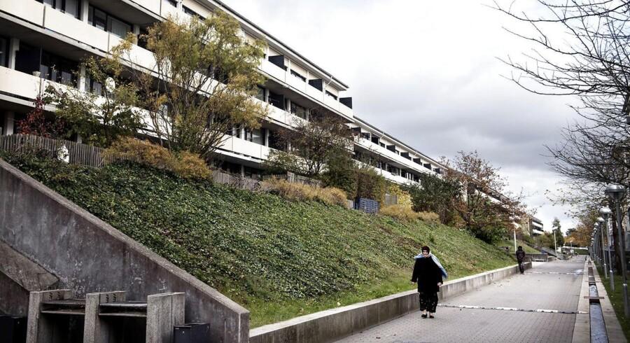 """BMINTERN - I det socialt belastede boligbyggeri Tåstrupgård er man i gang med indsatsen """"Fremtidens Tåstrupgård"""", der skal åbne området op for resten af Taastrup."""