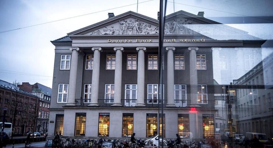 Afdækningen af hvidvask i Danske Banks estiske filial førte torsdag til, at storbanken får en stribe påbud og påtaler. Banken skal samtidig øge sit solvensbehov. »Vi tager tilsynets kritik meget alvorligt,« siger topchef Thomas Borgen.