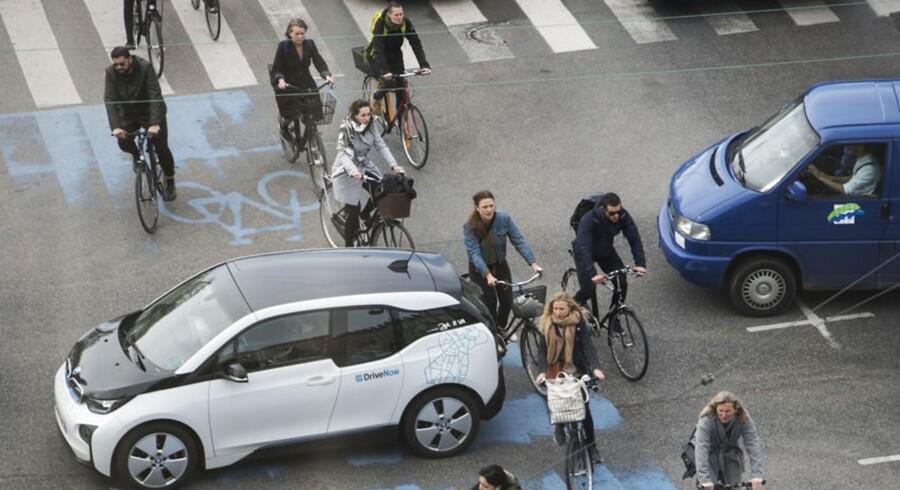 Arkivfoto af trafikken ved Dronning Louises bro i København.