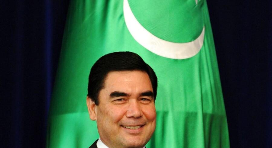 Arkivfoto: »Den store hesteopdrætter«, Turkmenistans præsident, Gurbanguly Berdymukhamedov, har slået sin egen rekord i stemmer og kan således ifølge det officielle valgresultat lune sig ved at have 97,7 procent af landets vælgere i ryggen mod 97,1 procent i ved seneste valg i 2012.