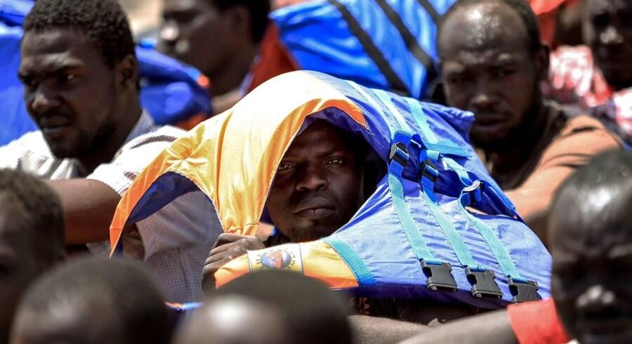 Siden årsskiftet er omkring 8200 migranter kommet til Spanien ved at rejse over havet, viser FN-tal. (AFP PHOTO / MAHMUD TURKIA)