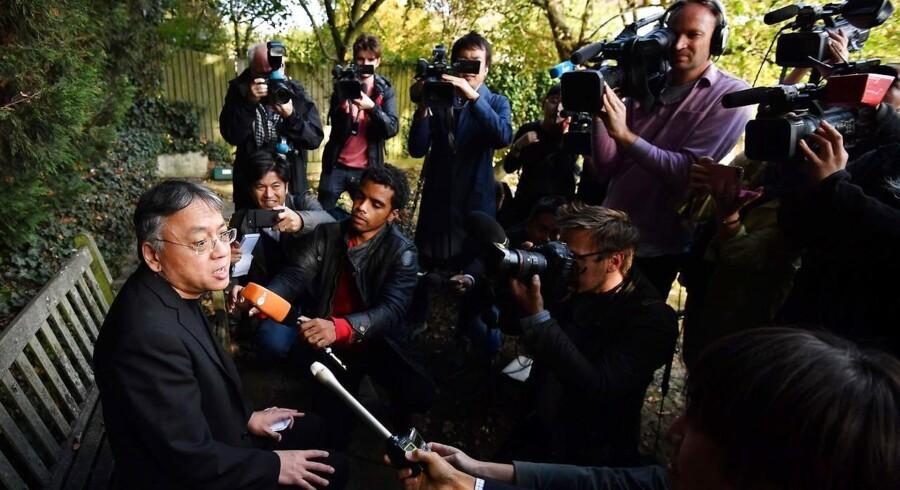 Den 62-årige forfatter Kazuo Ishiguro holdt en improviseret pressekonference i London, da det torsdag eftermiddag kom frem, at han er årets modtager af Nobelprisen i litteratur.