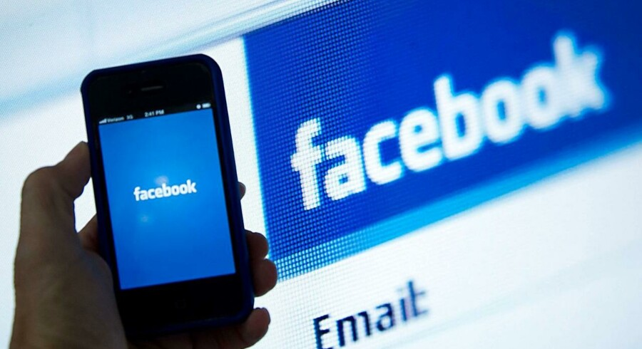 Facebook er kommet i stormvejr, efter det er blevet afsløret, hvordan det lykkedes det britiske analyseselskab Cambridge Analytica at få adgang til data fra 87 millioner profiler på det sociale medie.