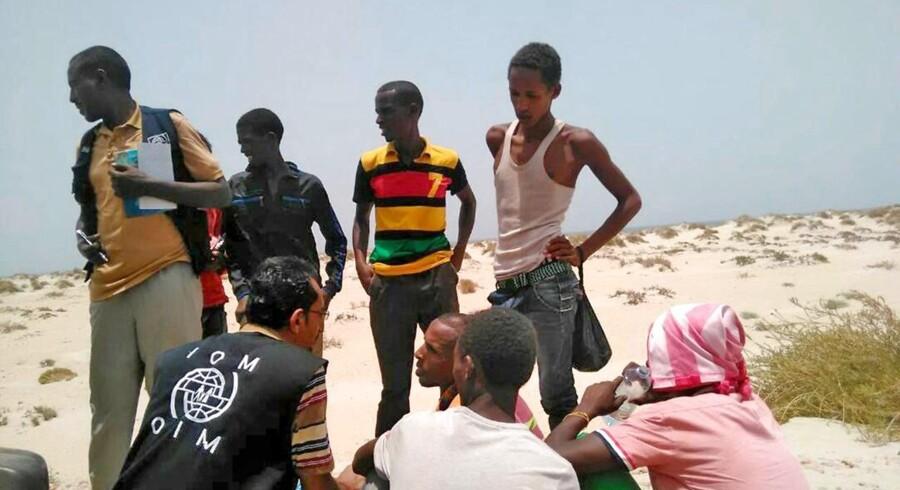 For anden dag i træk er migranter formodet druknede, efter menneskesmuglere har tvunget dem i havet.