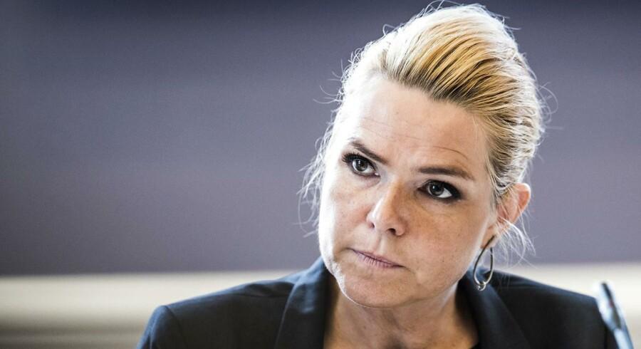 Efter en stribe ghettoudspil erkender Støjberg, at politikerne har svigtet. Derfor har et tværministerielt ministerhold smidt embedsmændene på porten og tænkt nyt.