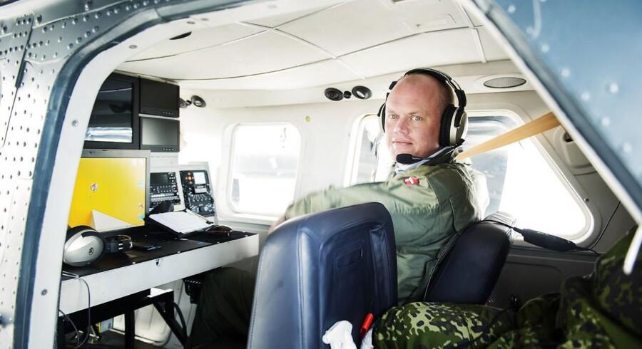 Forsvarsminister Peter Christensen (V) lover, at regeringen vil fremlægge finansiering, når den fremlægger sin anbefaling til indkøb af nye danske kampfly.