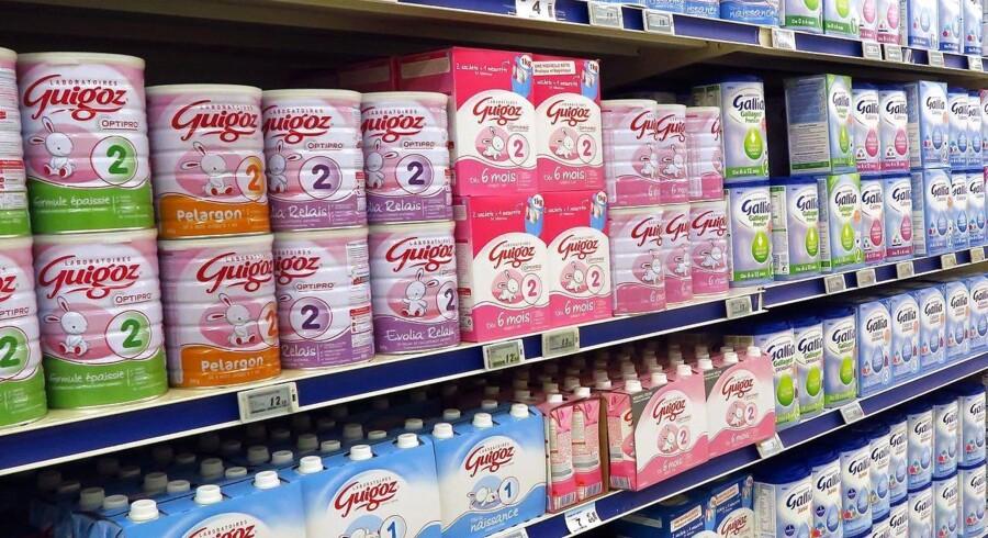 Mindst 35 børn har fået salmonella af det inficerede mælkepulver i FrankrigEPA/SEBASTIEN NOGIER