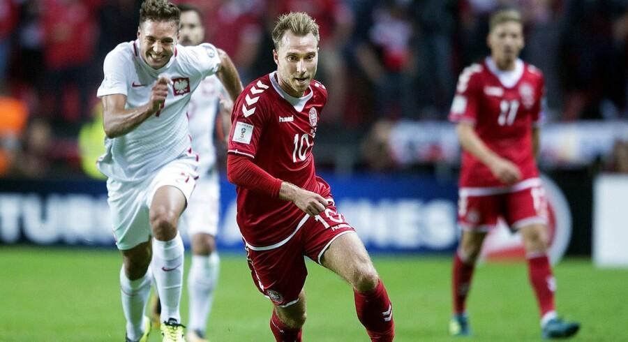 Danmark er nummer ni på Fifas seneste verdensrangliste, som toppes af Frankrigs VM-guldvindere.