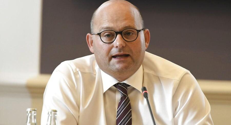 Erhvervs-, Vækst- og Eksportudvalget har indkaldt justitsminister Søren Pape Poulsen (K) i samråd om Danske Banks involvering i hvidvask. Her måtte man blandt andet svare på spørgsmål om langsommelighed og forældelsesfrister.