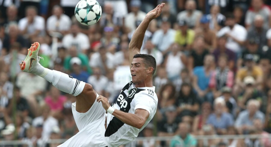 Juventus-angriberen Cristiano Ronaldo spillede sin første kamp for klubben i søndags i en testkamp mod et talenthold. Han scorede et enkelt mål i kampen. Isabella Bonotto/Ritzau Scanpix