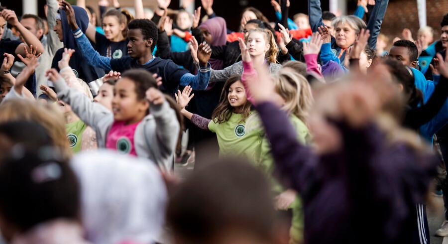 I løbet af de næste par dage skal de danske børn tilbage på skolebænken efter en lang og varm sommerferie. Ved dette års skolestart er der åbnet fem nye friskoler. Det er et udtryk for en stigende tendens, nemlig at forældre vælger de frie grundskoler over folkeskolen. (Foto: Sarah Christine Nørgaard/Scanpix2017)