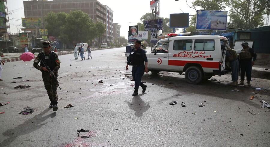 Arkivfoto. En selvmordsbombe blev bragt til eksplosion i en moské under en begravelse.