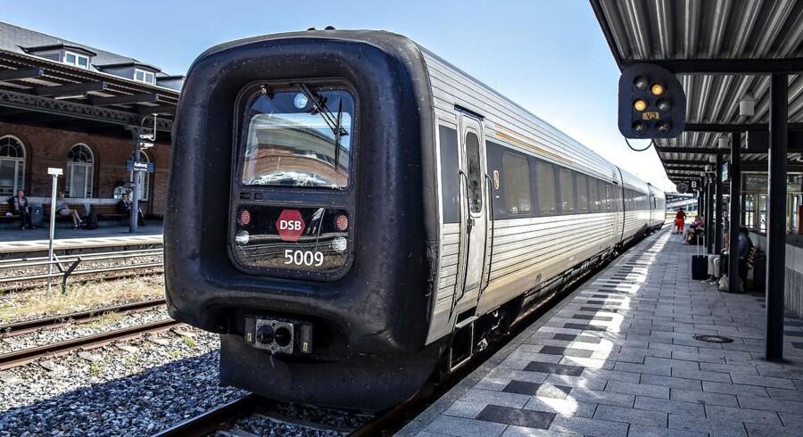 Fra tidligt fredag morgen og frem til klokken 11 er der ingen tog på strækningerne mellem Esbjerg og Skjern, Skjern og Struer, Struer og Thisted, Skjern og Herning, Struer og Viborg samt Vestbanen.