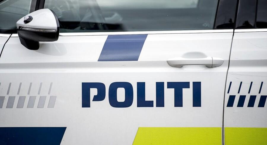 En pakistansk taxachauffør med kone og børn i Danmark udvises for bestandigt for voldtægt af ung kvinde.