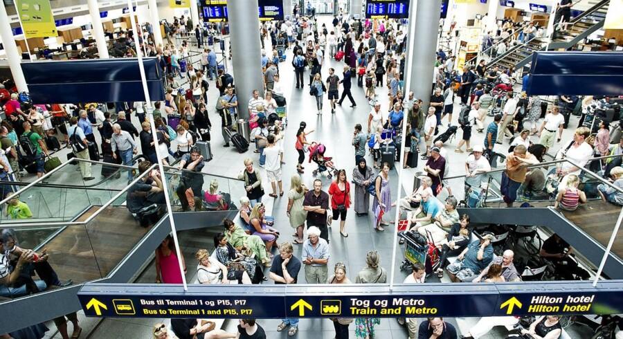 Flere kan være smittet, da en mand landede i Københavns Lufthavn med mæslinger efter ferie i Filippinerne.