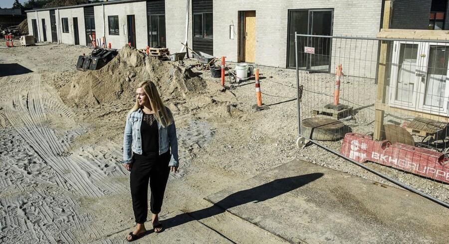 Cille Stenberg, har sammen med sin kæreste, Thomas Schrøder, netop købt projekthus i Køge, et af de steder priserne vil stige mest i de kommende år.
