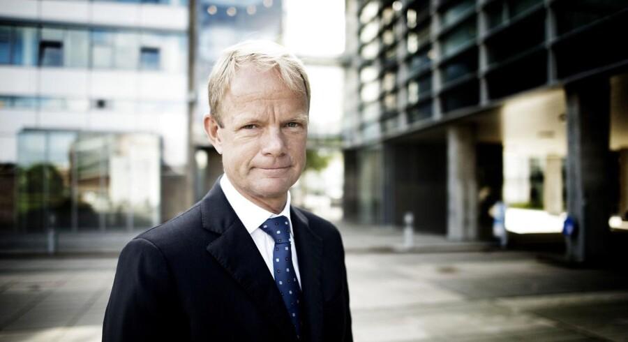 Kåre Schultz er stolt over og glad for, at danskere i stor stil har investeret deres penge i Teva-aktier.