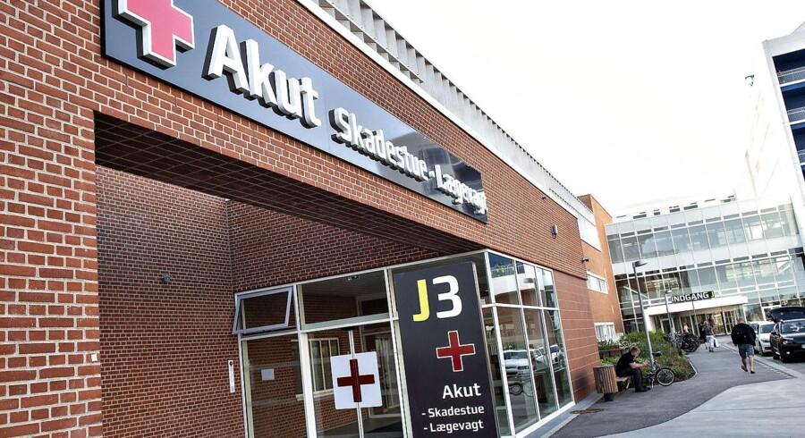 Det er især på de små akutklinikker i Region Midthylland, at der er langt mellem patienterne. Akutmodtagelsen ved Aarhus Universitetshospital, der ses på billedet her, har mere travlt.
