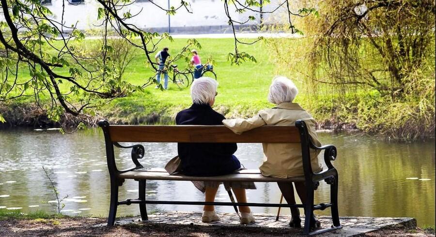 Flere ældre vælger at give den en ekstra skalle på arbejdspladsen, før de sætter sig tilbage og nyder tilværelsen som pensionist.