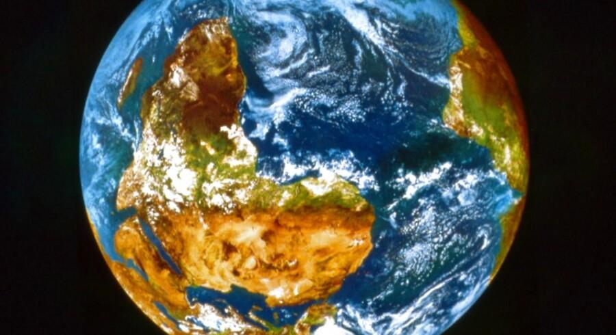 Earth Overshoot Day er navnet på dagen, hvor jordklodens bæredygtige naturressourcer er brugte. I 2018 falder den d. 1. august.