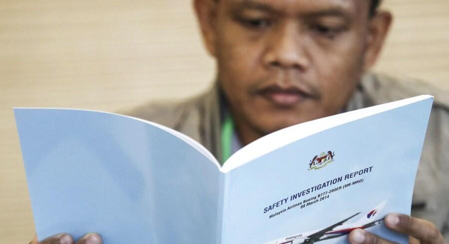 Den endelig rapport om flyet MH370's skæbne er blevet vist på forhånd til pårørende for de personer om bord.