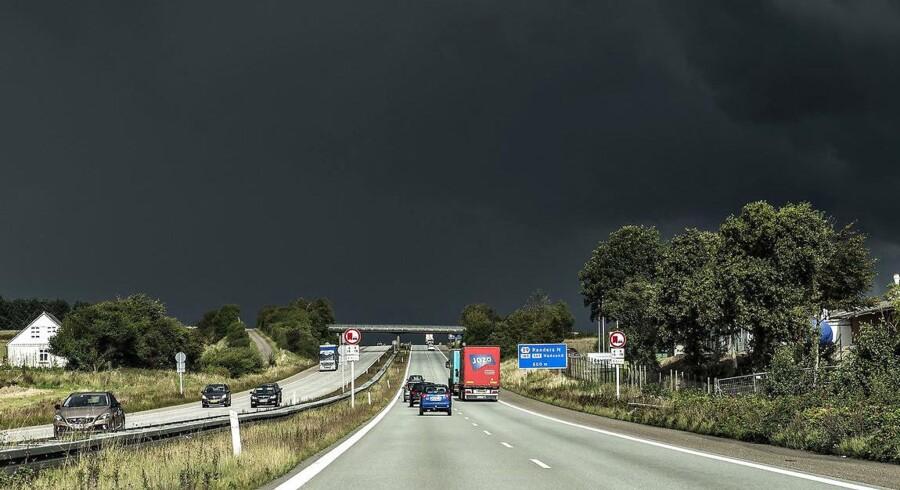 Arkivfoto, 14. september 2017. Fra lørdag eftermiddag kan skybrud, torden og vindstød skylle ind over Danmark, varsler DMI.