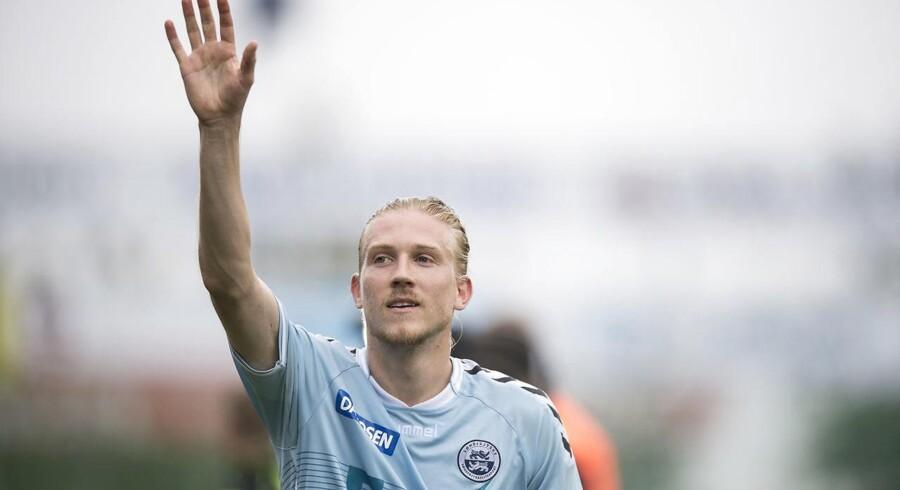 Simon Kroon har bestået et lægetjek og er klar til at tørne ud for Allsvenskan-klubben Östersunds FK.
