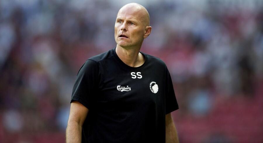 FCK-træner Ståle Solbakken kunne se Viktor Fischer komme ind og gøre forskellen, da FCK slog Stjarnan 2-0 ude.