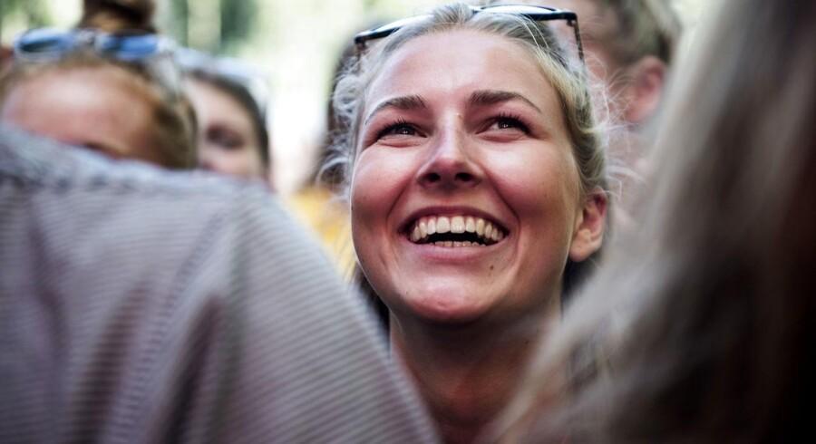 Hedebølgen har fået en svensk musikfestival til at indføre rygeforbud. Det sker dog ikke på Smukfest.