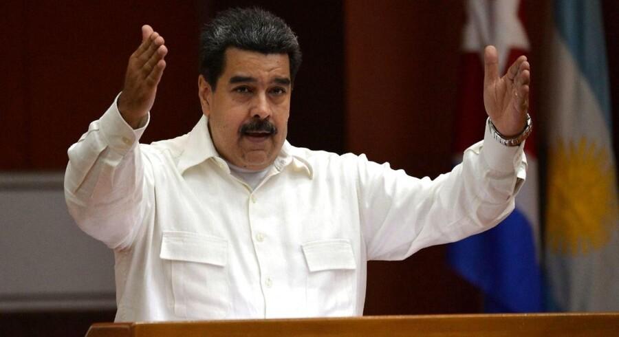 Venezuela står ifølge IMF til at nå helt op på en million procent i inflation i år. Landets præsident Nicolas Maduro kigger ikke lige frem indad i forsøget på at forklare Venezuelas økonomiske krise.