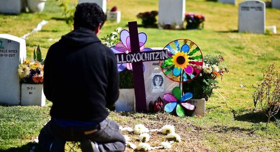 Årets kedelige rekord udgør en stigning på 16 procent i første halvdel af 2018 i forhold til samme periode året inden, hvor 13.751 mennesker mistede livet på grund af vold i Mexico.