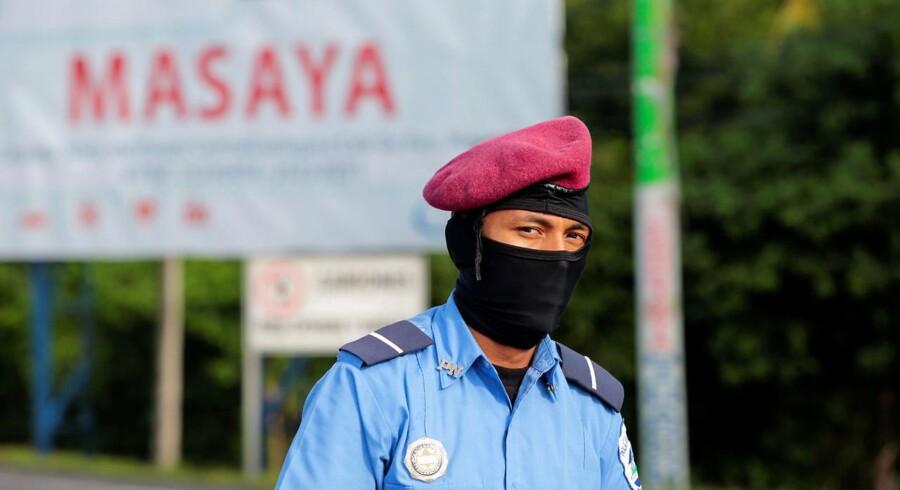 USA kræver, at politiets og paramilitære gruppers angreb på demonstranter bliver stoppet omgående.