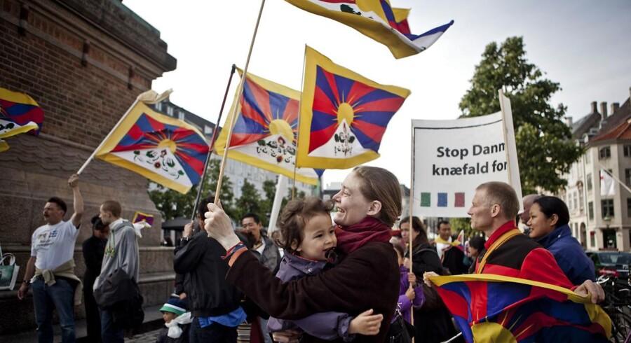 Ingen bliver mere lykkelig af den nye Tibetkommission, siger formand for politiledere. Han skal afhøres igen.