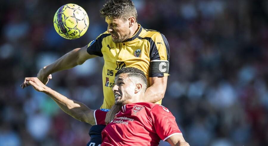 Rasmus Minor Petersen (Hobro - 24) over Imed Louati (Vejle - 7) Superliga Fodbold Vejle Boldklub - Hobro IK . Fredag den 13 Juli 2018 - Vejle Stadion.. (Foto: Claus Fisker/Ritzau Scanpix)