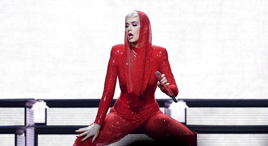 Katy Perry optræder i juni 2018 i Berlin. Flere gange er hun beskyldt for at stjæle andre minoriteters kulurelle arv, altså den såkaldte kulurelle appropriation ./ Britta Pedersen / Germany OUT