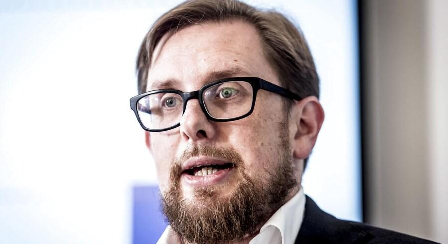 Ministeren har ret til at spørge sine embedsmænd om forslag, der måske kun er LA-politik, lyder vurdering.