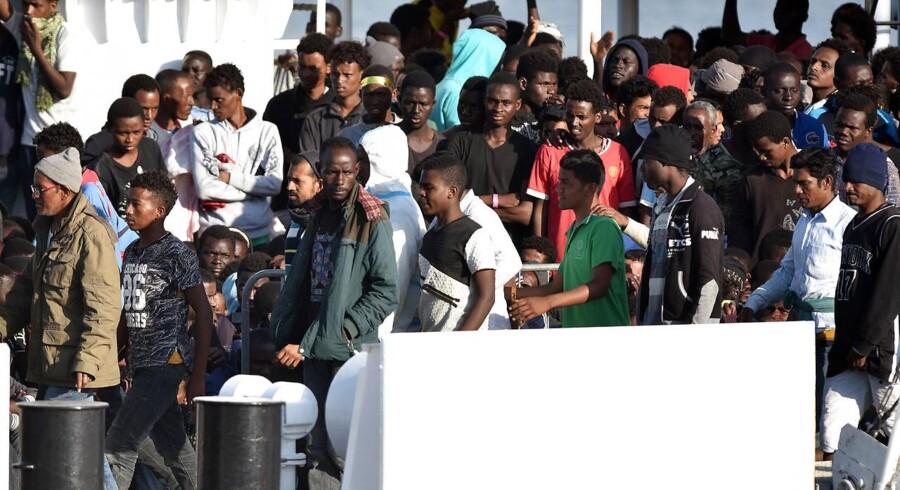 Spørgsmålet om migranter og asylansøgere har sat samarbejdet i EU under massivt pres siden 2015, da migranter krydsede de europæiske grænser i en lang folkevandring fra syd og øst.