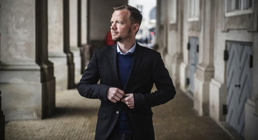 »Vi er alvorligt bekymrede for følgerne for hele vores kollektive forsikringssystem. Det er desværre endnu et udtryk for, at mange lande trækker EU i den forkerte retning. Der er en markant mangel på respekt for den danske velfærdsmodel«, siger Peter Hummelgaard (S) til Jyllands-Posten.