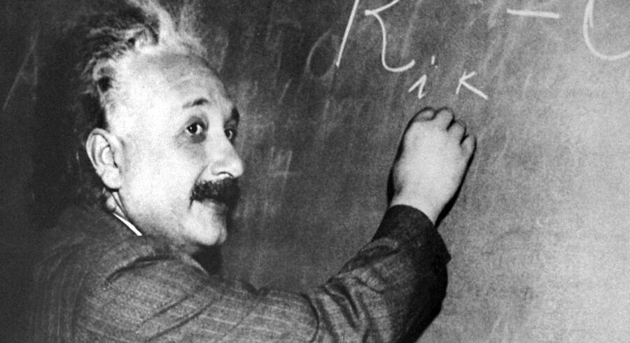 Einstein vandt Nobelprisen i fysik i 1921. Han flygtede fra nazismen og kom til USA. Udateret foto.