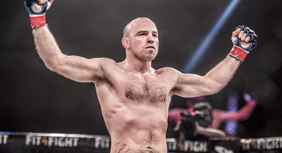 (ARKIV) Mark O. Madsen efter sin kamp mod den tidligere svenske MMA-mester Matthias Freyschuss under MMA Galla i Nykøbing Falster Hallen, lørdag den 13. januar 2018.