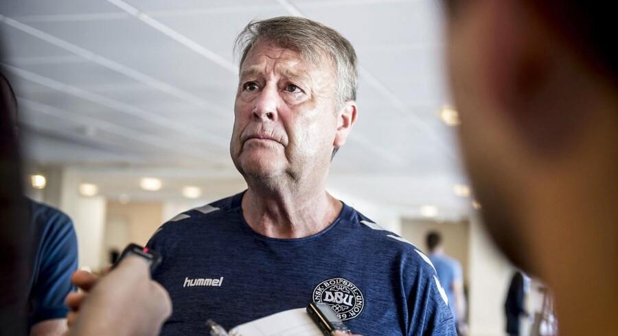 Danskerne bruger for meget tid på at diskutere negative end positive ting omkring landsholdet, mener Hareide.