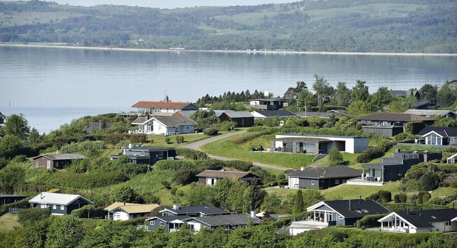 Det varme sommervejr bringer bonus på bundlinjen ved udlejningen af danske ferieboliger.