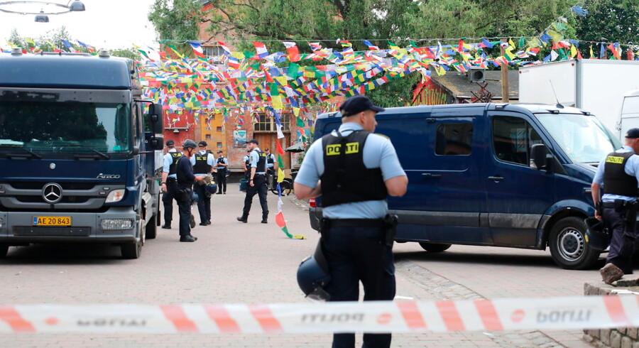 Politiet rydder Pusher Street på Christiania søndag den 27 maj 2018. Det er således anden dag i træk, at gaden ryddes for boder, og hash beslaglægges.