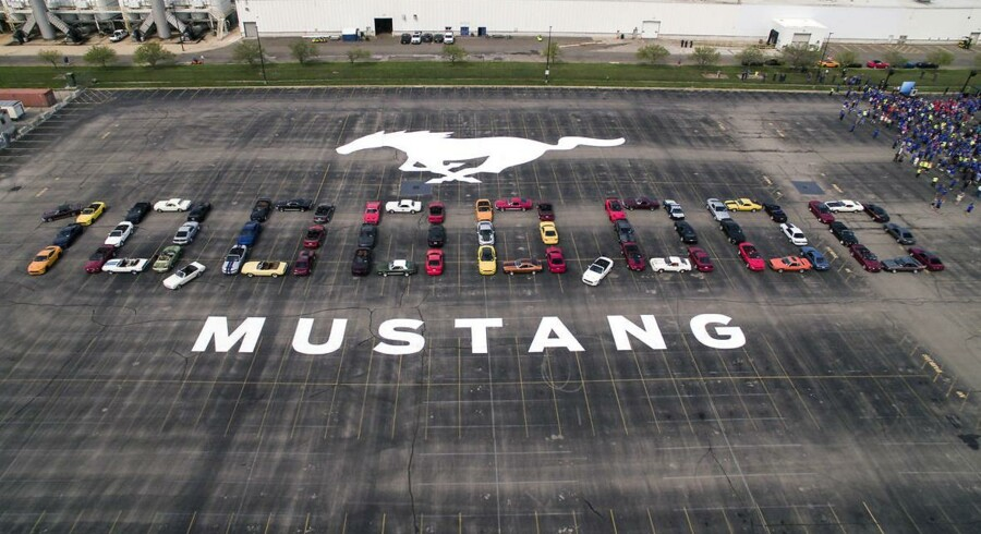 Efter 51 års produktion er Mustang nummer 10 millioner løbet af samlebåndet. Den blev fejret med bl.a. en parade med ældre Mustang-modeller ved fabrikken i Flat Rock