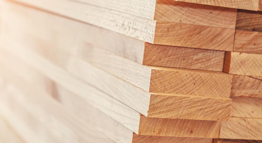 DLH, der distribuerer hårdttræ og træbaserede pladeprodukter, kom ud af første halvår med en pæn stigning i omsætningen.