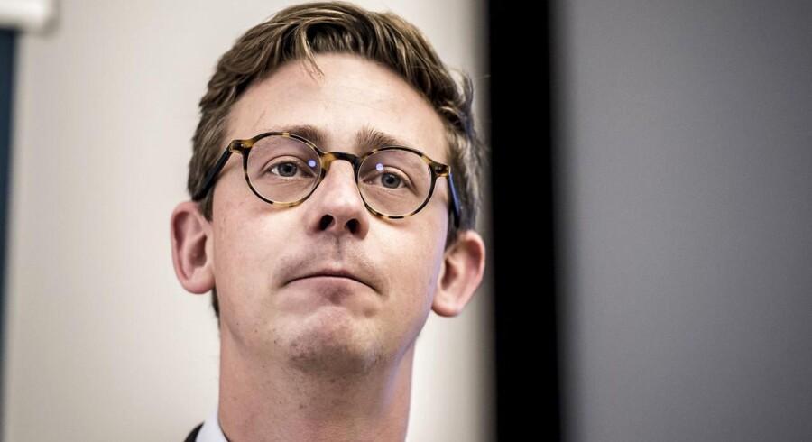 ARKIV. Skatteminister Karsten Lauritzen (V) vil stoppe små og mellemstore virksomheders skattesnyd. Det bliver dog dyrt for de små virksomheder, hvis revisionsreglerne strammes, lyder det fra interesseorganisation SMV Danmark.