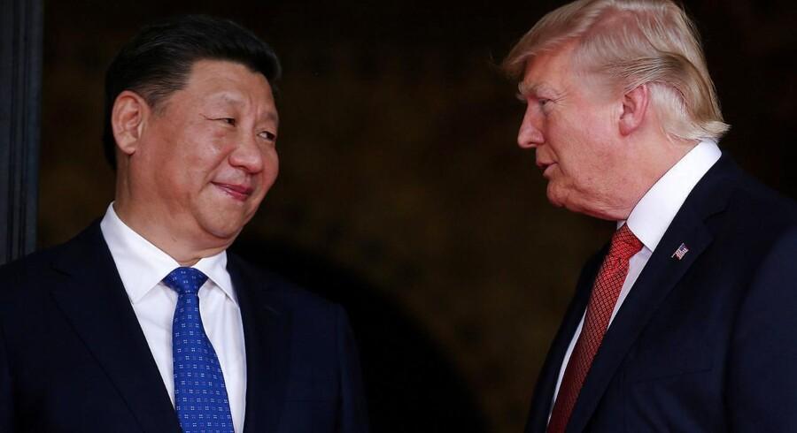 Arkivfoto af Donald Trump og Kinas øverste leder, Xi Jinping.