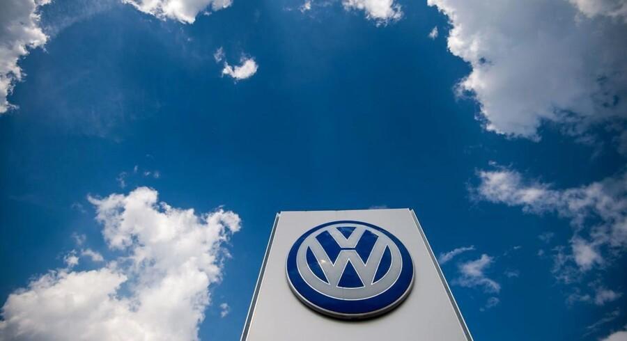 Den tyske bilkæmpe leverede i andet kvartal et justeret driftsoverskud på 5,58 mia. euro mod en forventning om 4,97 mia. euro i markedet ifølge Bloomberg News.