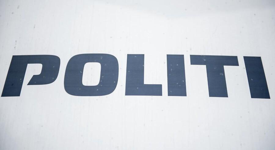 Politiet efterforsker en sag, hvor en midtjysk mand er sigtet for at være i besiddelse af sprængstoffer.